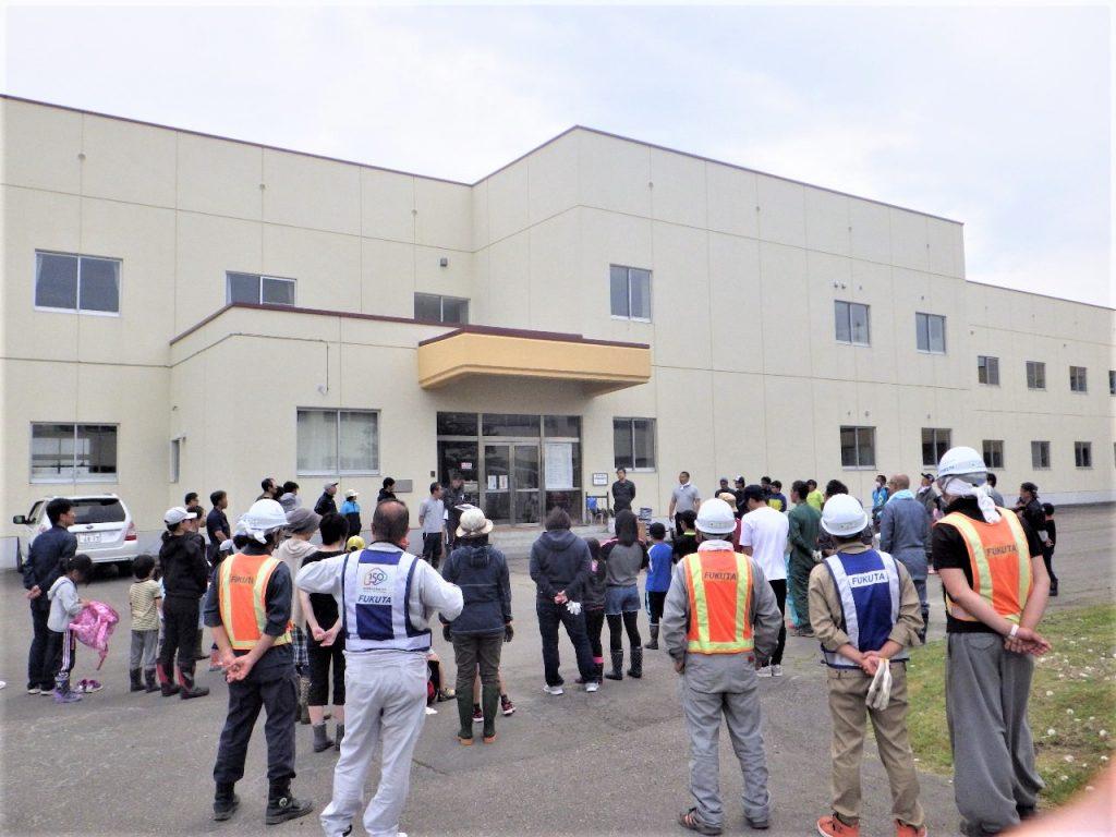 浦幌小学校環境整備作業に参加